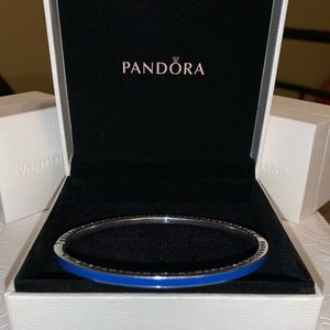 Women's retired Pandora radiant heart bangle 3